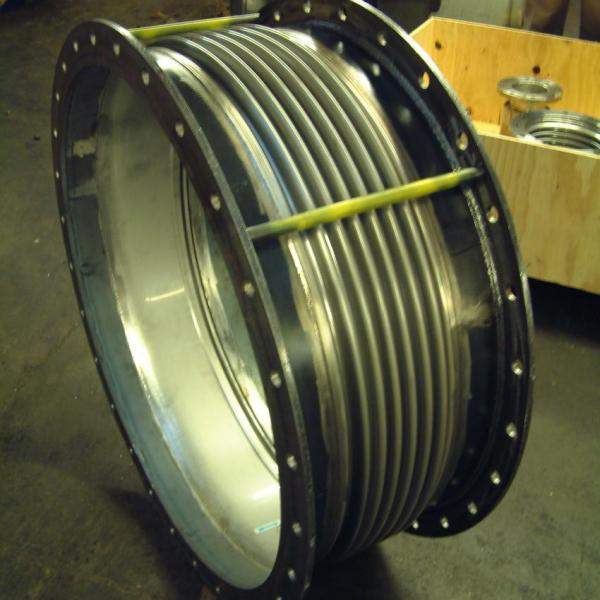 Assembly of metal bellows