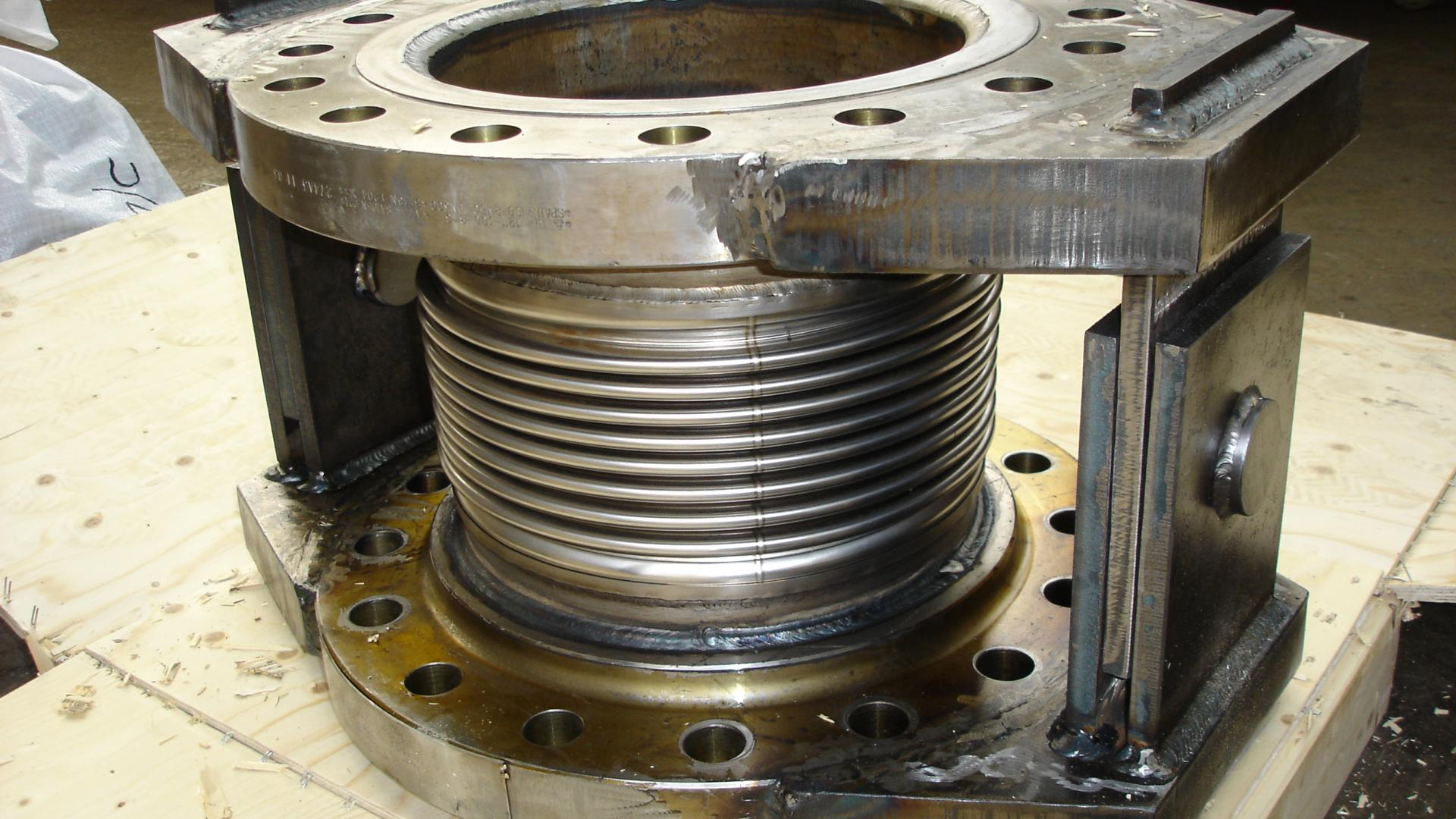 Metal bellows and expansion arcflex